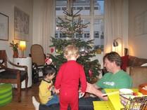 デンマークではクリスマス前に親しい友人や家族と集います。