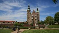 王室の豪奢な王冠も見られるローゼンボー城