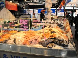 トーベヘーレン市場には、デンマーク内外の海から新鮮な魚が届きます!