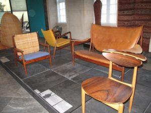 デンマークの著名なデザイナーの椅子が一堂に会するデンマークデザイン博物館