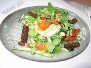 私の大好きなカフェのランチでは、新鮮な野菜も豊富に食べられます。