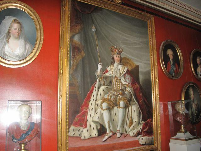 ローゼンボー城では、ドラマより衝撃的な王家のエピソードをたくさんご紹介申し上げます。