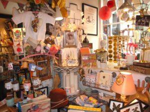 オーナーさんのセンスが光る、お店全体がおもちゃ箱のような穴場の雑貨屋さん
