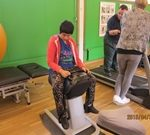 障がい者日中活動施設のご視察にて、リハビリ運動活動の様子。